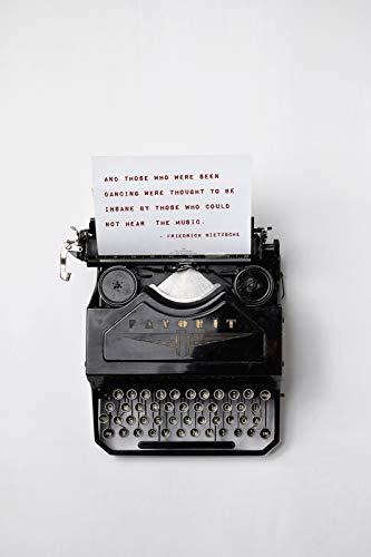// TPCK // Friedrich Nietzsche – Diejenigen, die tanzen, die Schreibmaschine gesehen wurden – Poster Original Kunstdruck Foto Wand Home Decor – Musik Liebe Motivation – A5 Größe (14,8 x 21 cm)