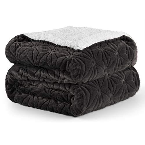 Elegear Kuscheldecke 130x150, Zweiseitige Sofadecke, Superweicher Kunstfelldecke, warme Couchdecke im Winter, Reisedecke für Erwachsene und Kinder-Wohndecke Grau