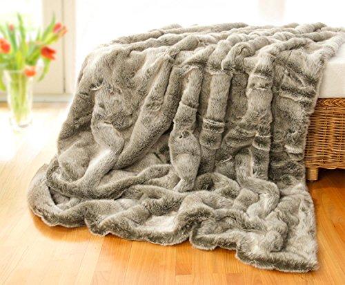 Wohnen & Accessoires Felldecke, Pelzplaid, Webpelzdecke Grauwolf mit grau-beigem Fell 170x220cm