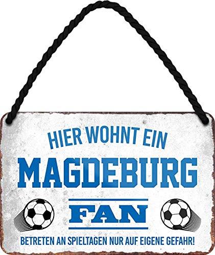 Blechschilder Hier wohnt EIN Magdeburg Fan/Offizieller Magdeburg Fan/Ich Bin Magdeburg Fan Deko Metallschild Schild Artikel Geschenk zum Geburtstag oder Weihnachten (A - Weiß (18x12))